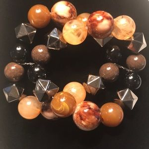 Jewelry - 💕NWOT💕BEAD STRETCH BRACELET